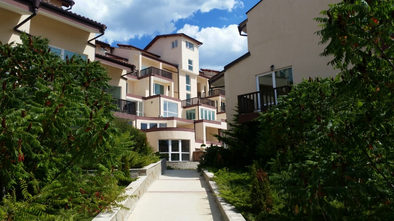 br furnished vacation view one rental cottage apartment toronto district lake entertainment in bedroom downtown